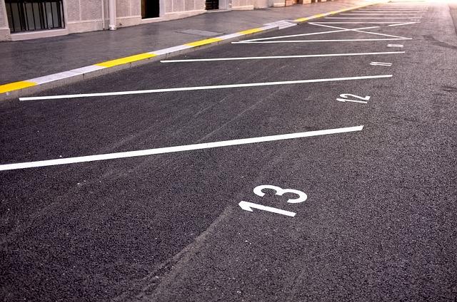 parking_705873_640_0.jpg