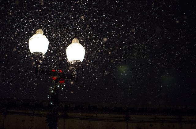 street_lamp_336556_640_0.jpg