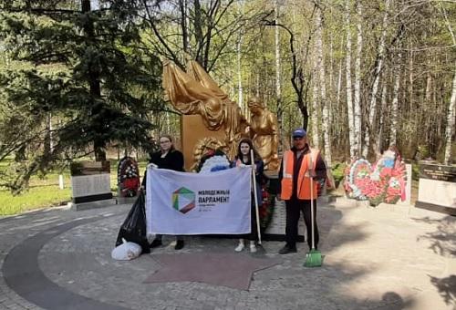 uborka_pamyatnika_2019_may.jpg